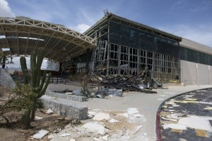 Los Cabos News airport closed til Oct. 8 after hurricane; most hotels still shutdown